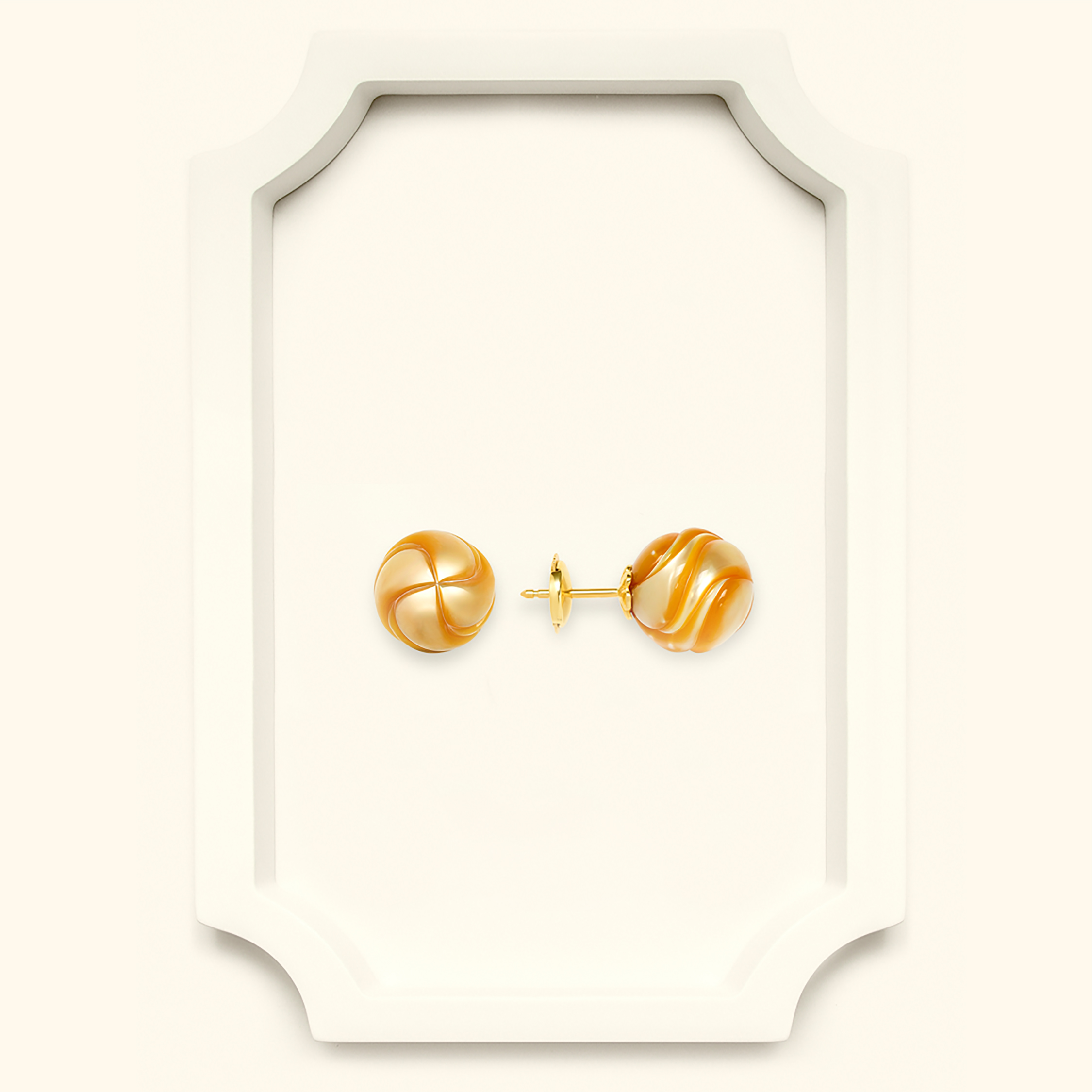 Al Zubarah stud earring with south sea carved pearls